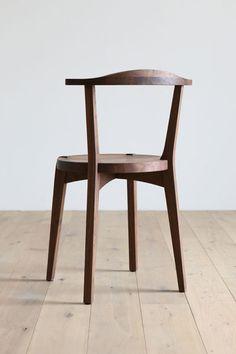 The elegant Lagare chair by Hirashima Inc.