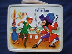 Peter Pan and Captain Hook lunch box Lunch Box Thermos, Vintage Lunch Boxes, Cool Lunch Boxes, Lunch Bags, School Lunch Box, School Lunches, School Days, Vintage Metal, Vintage Toys