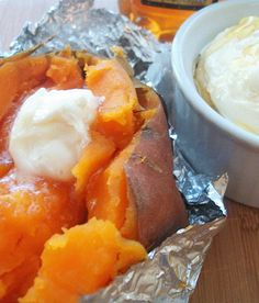 Crockpot Sweet Potatoes with Honey Butter. This recipe is more like a how to: How to cook sweet potatoes in the crockpot (slow cooker). And, how to make honey butter. If you like sweet potatoes, but don't like the fact you have to bake them…Recipes Hut Crock Pot Slow Cooker, Crock Pot Cooking, Slow Cooker Recipes, Crockpot Recipes, Cooking Recipes, Crockpot Dishes, Ratatouille, Side Dish Recipes, Side Dishes