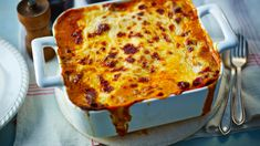 Mary Berry's Classic Lasagne recipe has been perfected over the years. For the best results leave the lasagne to stand for six hours before cooking. Mary Berry Favourites, Al Forno Recipe, Lasagne Recipes, Pasta Recipes, Dinner Recipes, Veg Lasagne, Best Lasagna Recipe, Pasta Dishes, Pasta Sauces