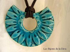 Collar cerámica azul