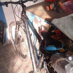 Esta #bicicleta es oficialmente mia #demosunavuelta #bikes. Ya me siento bien #nice
