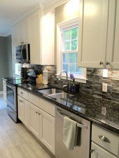 Beautiful kitchens ideas with black granite 37