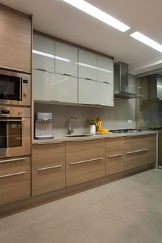 Awesome modern kitchen room are offered on our site. Kitchen Room Design, Kitchen Cabinet Design, Modern Kitchen Design, Home Decor Kitchen, Interior Design Kitchen, Kitchen Furniture, Home Kitchens, Kitchen Ideas, Modern Interior