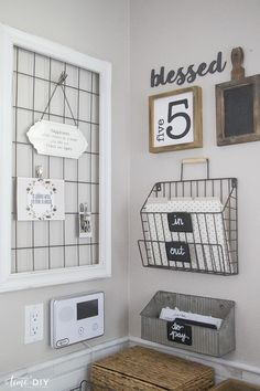 Diy Memo Board, Memo Boards, Home Organisation, Office Organization, Organizing Ideas, Home Office Space, Home Office Furniture, Home Command Center, Command Centers