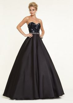 Shop for Mori Lee prom dresses and bridesmaids gowns at Simply Dresses. Long evening gowns and ball gowns for prom and pageants by Mori Lee. Mori Lee Prom Dresses, Pretty Prom Dresses, Prom Dresses 2015, A Line Prom Dresses, Prom Dresses Online, Ball Gown Dresses, Modest Wedding Dresses, Cheap Prom Dresses, Formal Dresses