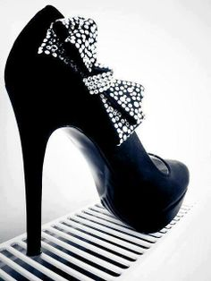 could never walk in these but adorable