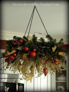 A hanging wreath....will have to try this.