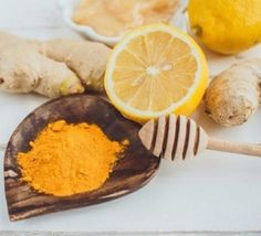Looking for a way to make your skin radiant and beautiful? Check out this turmeric honey face mask recipes, then get a glowing and clear skin in no time Clear Skin Face Mask, Skin Mask, Face Skin, Turmeric For Face, Turmeric And Honey, Honey Facial Mask, Facial Masks, Homemade Beauty Recipes, Honey Face