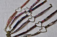Inspi for youz of Bracelet Liberty Pourza Atelier des Createurs by Bishopza Bracelets Liberty, Liberty Fabric, Bijoux Diy, Fabric Patterns, Diy Jewelry, Elsa, Origami, Creations, Kimono
