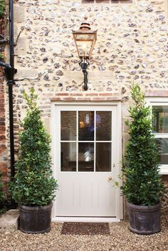 CQ! Love this- nice gravel and yorkstone path like other picture in golds if don't go for greys