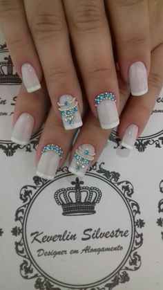 unhas unha decorada com pedras, unhas delicadas Rhinestone Nails, Bling Nails, Diy Nails, Fancy Nails, Love Nails, Trendy Nails, Modern Nails, Square Nails, Nail Decorations