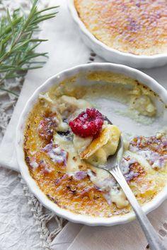 Eggnog Creme Brûlée | thecozyapron.com
