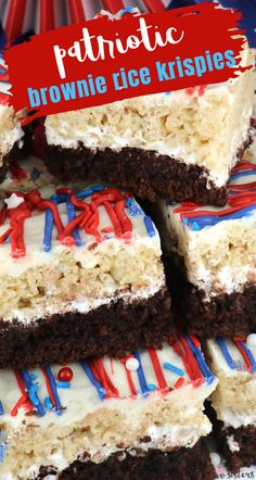 Patriotic Brownie Rice Krispie Treats - perfect for of July or Memorial Day these beautiful and yummy dessert bars feature Brownies and Rice Krispie Treats. Patriotic Desserts, Blue Desserts, 4th Of July Desserts, Patriotic Party, Patriotic Crafts, July Crafts, Rice Krispy Treats Recipe, Rice Krispie Treats, Rice Krispies