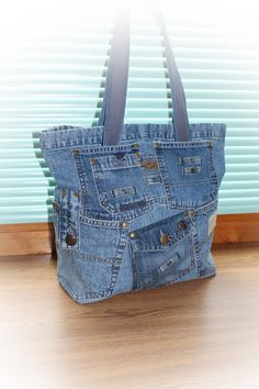 Одноклассники Denim Handbags, Denim Tote Bags, Denim Purse, Purses And Handbags, Jean Purses, Mode Jeans, Denim Crafts, Linen Bag, Fabric Bags