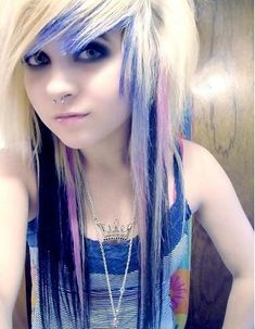 thick long scene hair | emo girls hairstyles Emo Hairstyles