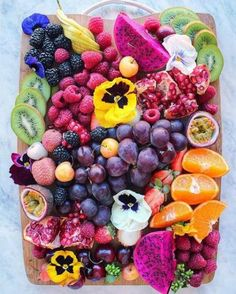 New Fruit Platter Ideas Layout Ideas New Fruit, Fruit And Veg, Fruit Fruit, Healthy Fruits, Healthy Recipes, Photo Fruit, Party Food Platters, Food Porn, Fruits Images