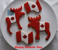 Flag cookies, moose cookies, red and white cookies. Canada Day Party, Canada Day Crafts, Royal Icing Sugar, Canadian Things, Happy Canada Day, Game Day Snacks, Cookie Frosting, How To Make Cookies, Peanut Butter Cups