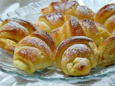 rogaliki+z+serem. Polish Desserts, Polish Recipes, Polish Food, Muffins, Sweet Little Things, Bread Bun, Chocolate, No Bake Cake, Baked Goods