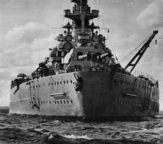 Battleship Bismarck of the German Navy, one of the biggest battleships used during World War II. It's major use in the war was when it sunk the British HMS Hood. Navy Ships, Aircraft Carrier, Royal Navy, War Machine, Water Crafts, Military History, Naval History, World War Ii, Pictures