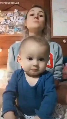 Cute Baby Quotes, Cute Baby Girl Images, Cute Kids Pics, Cute Little Baby Girl, Cute Baby Pictures, Little Babies, Cute Funny Baby Videos, Cute Funny Babies, Funny Videos For Kids
