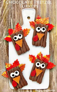Serve turkey for dessert this Thanksgiving. Your family will happily gobble up these cute Chocolate Pretzel Turkeys at your holiday meal.