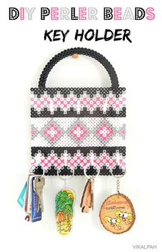 I am totally digging this perler bead purse key holder. How cute is this?