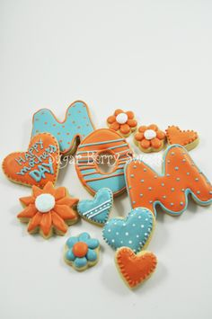 MOM - Mother's Day Sugar Cookies -1 dozen Cute decorated cookies - hearts - love - polkadots - sweet - perfect gift - flowers