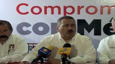 El politico Manlio Fabio Beltrones, durante una conferencia de prensa, defendio de alguna manera al candidato Enrique Peña Nieto de los marchistas