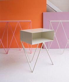 Mesa de noche minimalista