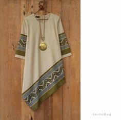 32 best ideas for fashion casual style blouses Batik Fashion, Ethnic Fashion, Hijab Fashion, African Fashion, Boho Fashion, Fashion Dresses, Fashion Design, Blouse Batik, Batik Dress