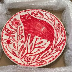 from - Excited to be unpacking a few pieces by wonderful maker Vicky Lindo and W. Brookes on sale on our gallery for Christmas. Looking forward to working on a project with Vicky in Spring - V Lindo & B Brookes ( Pottery Painting, Ceramic Painting, Ceramic Art, Art Corner, Sgraffito, Pottery Designs, Art Graphique, Oeuvre D'art, Cartoon Drawings