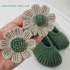 """Renkli örgü dünyam""AyşeKayam (@aysekayam29_orgu_aski) • Instagram photos and videos Crochet Flower Tutorial, Crochet Flowers, Crochet Basket Pattern, Crochet Patterns, Tunisian Crochet, Knit Crochet, Golden Flower, Knitted Slippers, Crochet Shoes"