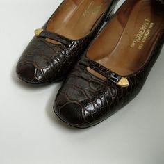 Vintage 1960s Alligator Shoes #vintage #shoes #size9 #alligator #1960s #imagnin @Etsy