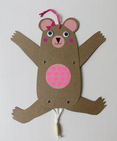 DIY:  petits éléments décos pour chambres d'enfants qui peuvent également servir de jouets: des animaux articulés, M & Mme Ours