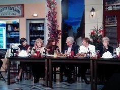 """Την Παρασκευή 26 Δεκεμβρίου στο εορταστικό πρόγραμμα του καναλιού """"Έψιλον"""" στην εκπομπή του Κώστα Χαρδαβέλα «ΟΛΟΙ ΟΙ ΚΑΛΟΙ ΧΩΡΑΝΕ» καλεσμένη ήταν η αγαπημένη συγγραφέας Χρυσηίδα Δημουλίδου!"""
