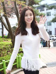 Tersenyum Han Hyo Joo Korean Actresses, Korean Actors, Korean Beauty, Asian Beauty, Asian Woman, Asian Girl, Seo Ji Hye, Dong Yi, W Two Worlds