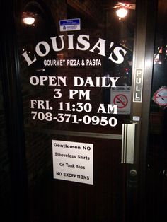 JakeParrillo.com: 6 Down, 19 to Go: Louisa's Pizza of Crestwood