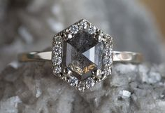 Natural Rose Cut Black Hexagon Diamond Ring with Pavé Halo . - what if I got married - Ringe Black Wedding Rings, Wedding Rings Simple, Gold Engagement Rings, Wedding White, Diamond Wedding Bands, Diamond Rings, Gold Rings, Solitaire Rings, Solitaire Diamond