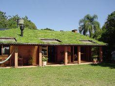Pau-a-Pique arquitetura urbanismo meio ambiente: Casa auto sustentável