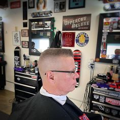 Barber Shop Haircuts, Flat Top Haircut, Short Bob Hairstyles, Hold On, Hair Cuts, Traditional, Photo And Video, Hair Styles, Classic