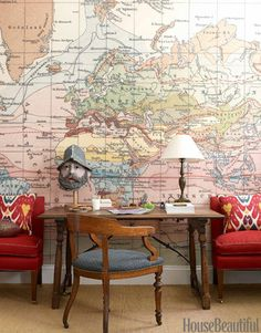 WORLD MAP Designer Daniel Sachs gave a classic Park Avenue apartment an antique and global appeal, even in the young boy's bedroom. The wallpaper behind the desk is a blown up version of an antique world map. World Map Wallpaper, Of Wallpaper, Office Wallpaper, Wallpaper Ideas, Globe Wallpaper, Original Wallpaper, Perfect Wallpaper, Home Office Design, Office Decor