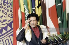 Libyan leader Moamer Kadhafi speaks to members of the non-aligned countries summit, on September 4, 1986 in Harare, Zimbabwe.