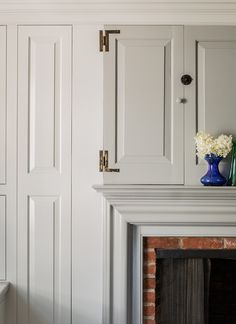 Colonial Farmhouse: Charming Home Tour – Town & Country Living Details on Colonial Farmhouse Fireplace and Cabinetry Farmhouse Fireplace, Home Fireplace, Fireplaces, Farmhouse Interior, Fireplace Ideas, Fireplace Surrounds, Fireplace Mantels, Vintage Farmhouse, Country Farmhouse