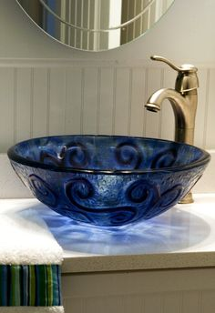 Beautiful bowl sink for my amazing future bathroom Cobalt Glass, Cobalt Blue, Fused Glass, Navy Blue, Indigo Blue, Deep Blue, Glass Sink, Beach Cottage Decor, Himmelblau