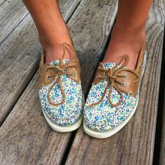 Blue floral sperries