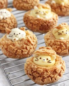 Kitty and bear choux 🐱🐻✨ If you're looking for some Valentine's Day ideas, this may be a cute and easy one 💝 Meanwhile, I'm just looking… Choux Cream, Puff And Pie, Kawaii Cooking, Chocolate Covered Marshmallows, Kawaii Dessert, Puff Pastry Recipes, Wedding Cakes With Cupcakes, Cute Desserts, Food Humor