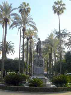 Córdoba - Jardines de la Agricultura  - photo: Robert Bovington  #Cordoba #Andalusia #Spain #España   http://bobbovington.blogspot.com.es/
