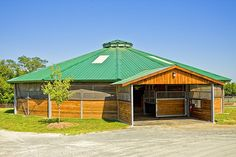 Fair Hill Equine Therapy Center - love a covered round pen