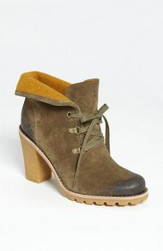 UGG® Australia 'Calynda' Boot available at #Nordstrom  Everyone who knows me will attest to the fact that I have never been a fan of Uggs.  Finally a pair I will.be wearing.